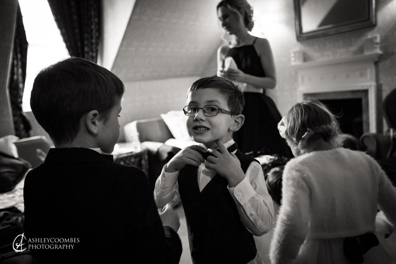 Pageboy bow tie
