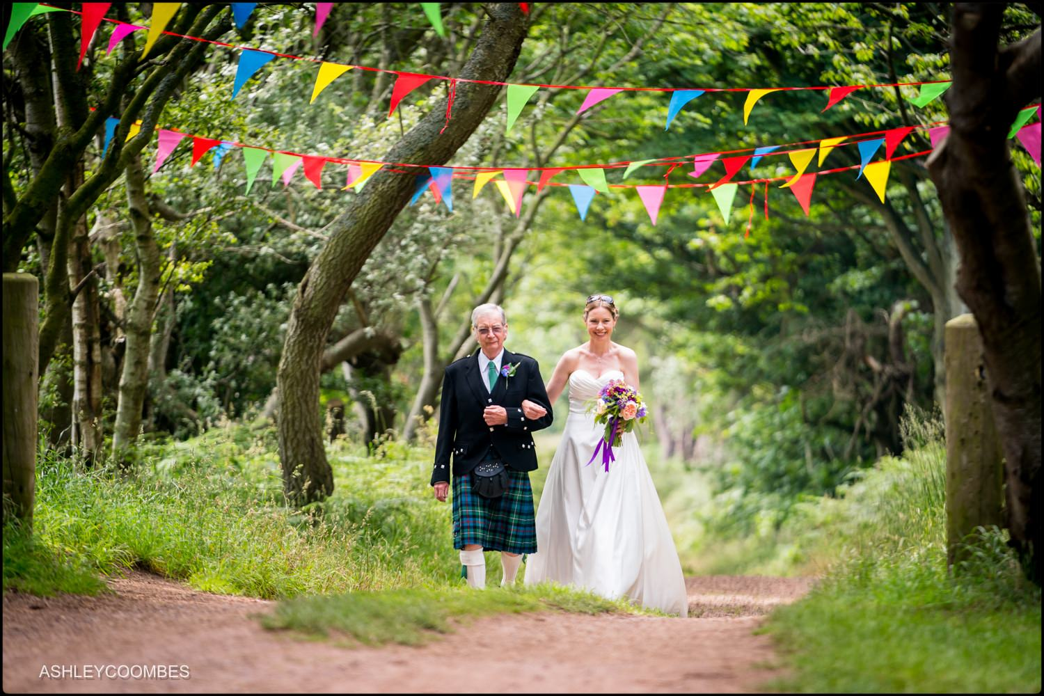 Ravensheugh Log Cabin Wedding arriving with dad