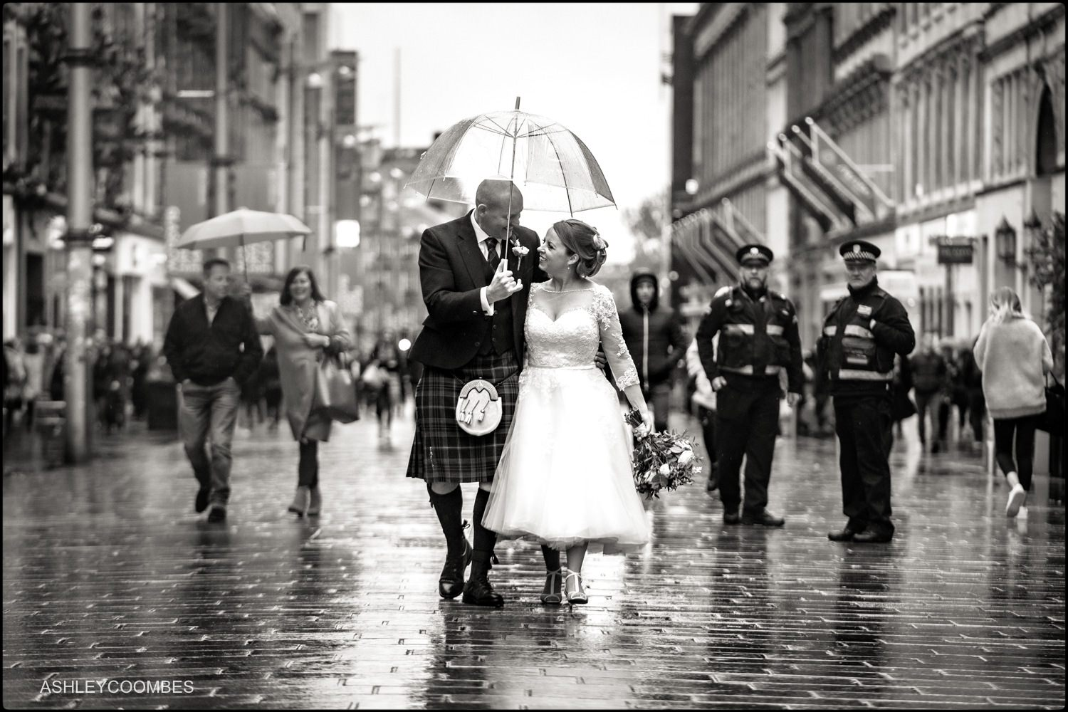 Bride and Groom in Buchanan Street and traffic wardens