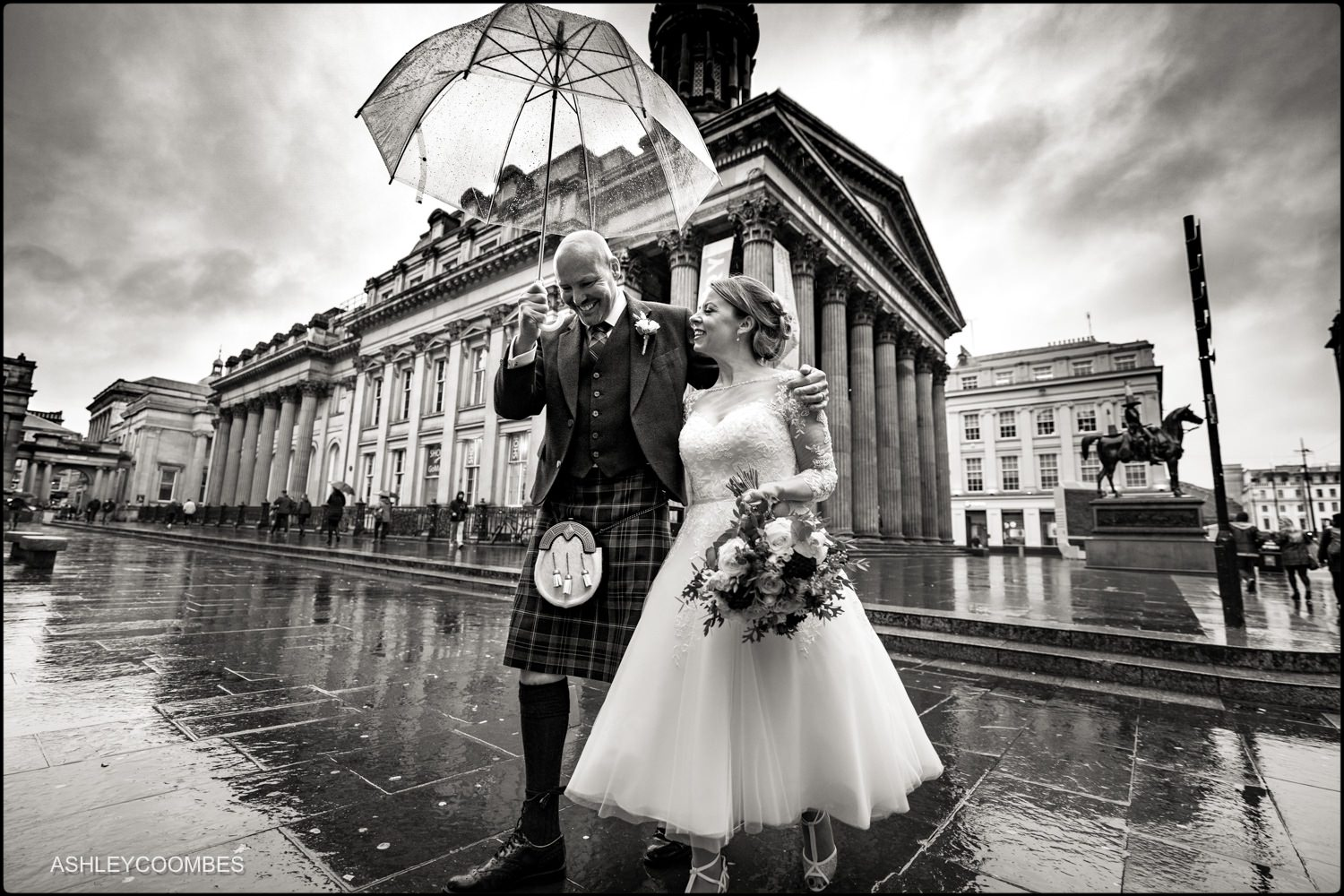 Bride and Groom in Royal Exchange Square Glasgow
